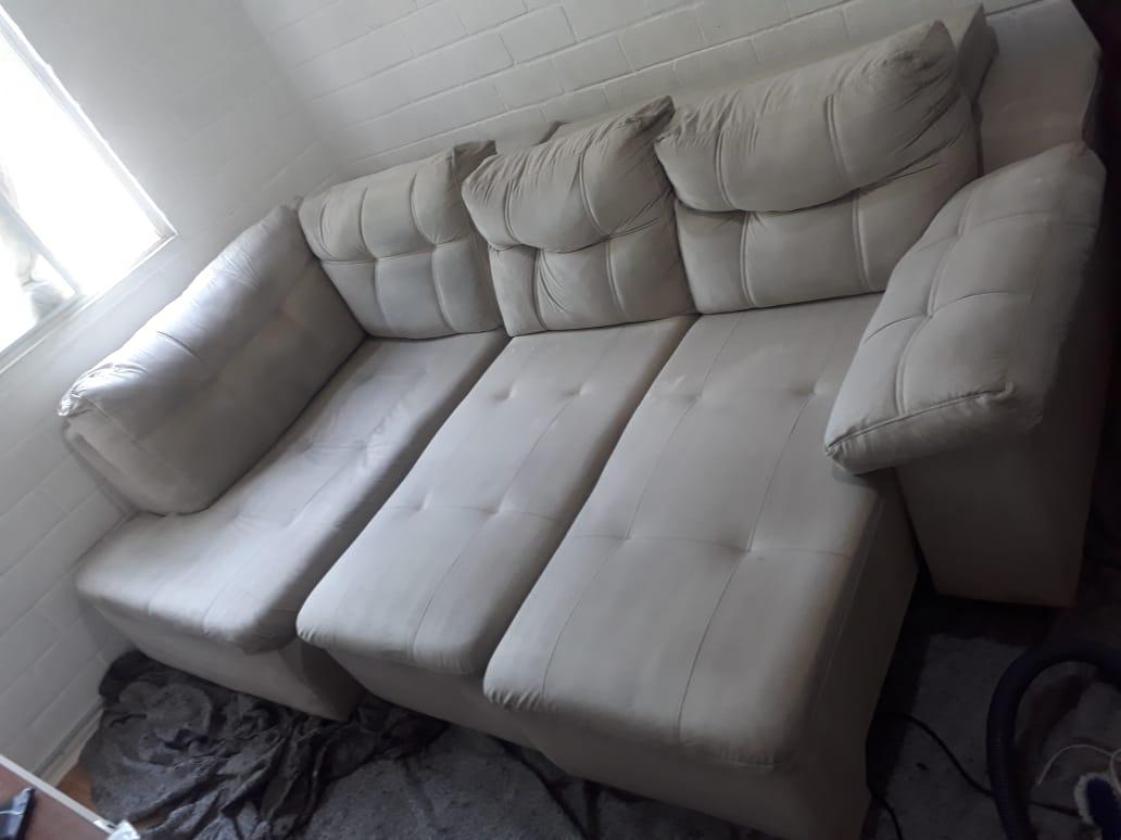 Depois da lavagem de sofá Arapuã